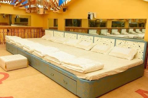 Ten Bedroom. Emejing 10 Bedroom House Pictures   House Design Ideas   coldcoast us