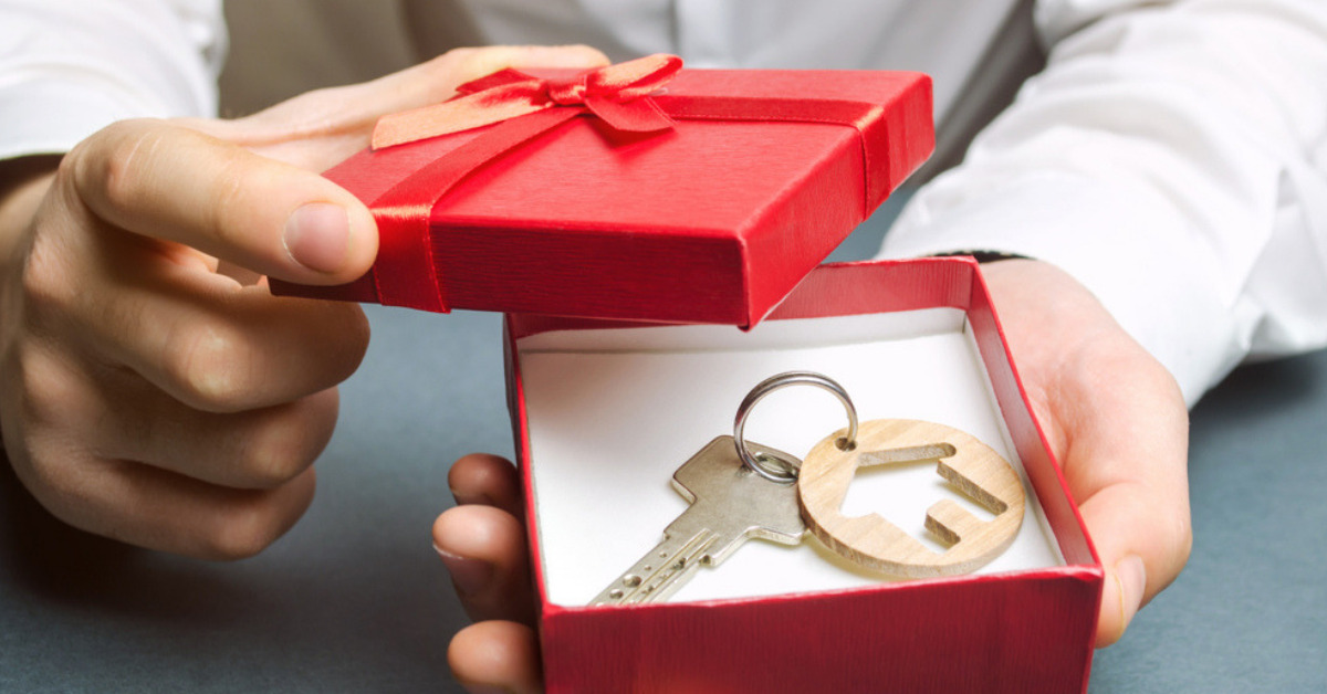 Gift deed or a will: Which is a better option to transfer property